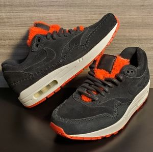 Nike Air Max 1 Premium Shoe 454747-010 Black Red